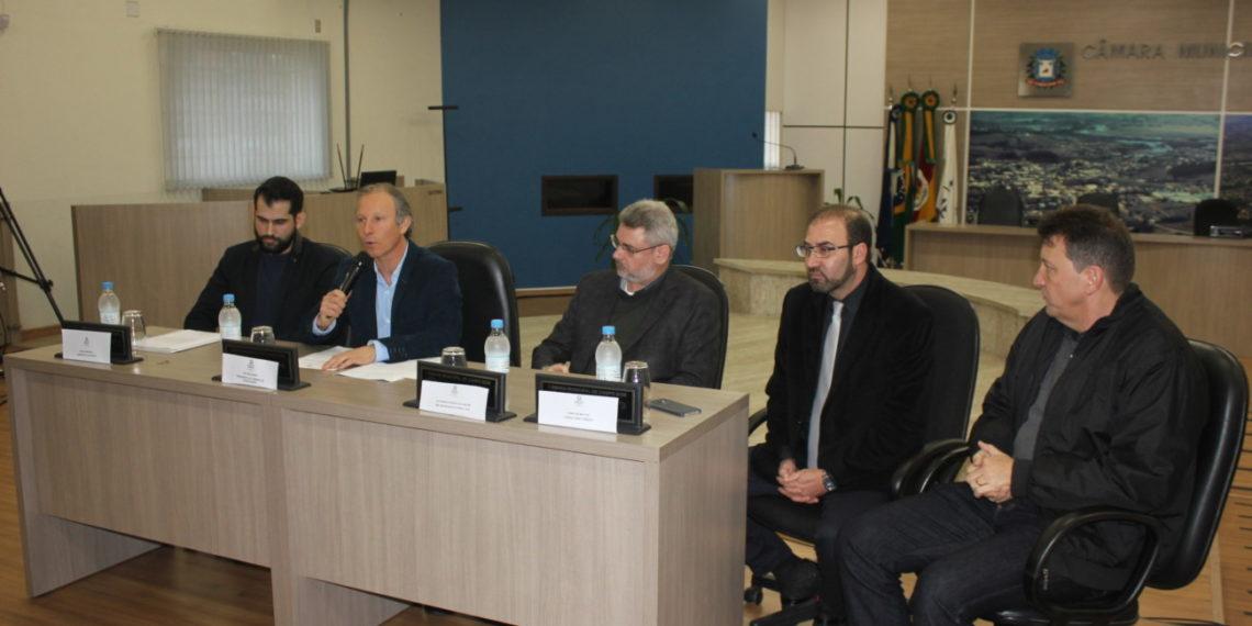 Cerimônia de assinatura do contrato com DMS Engenharia  contou com a  presença do prefeito de Campo Bom, Luciano Orsi